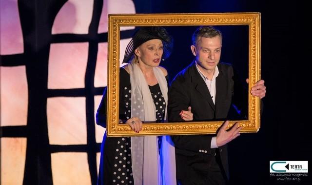 """Grażyna Barszczewska i Grzegorz Damięcki w spektaklu """"Sceny niemal małżeńskie"""" podczas festiwalu w Grudziądzu"""