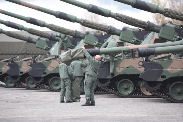 Na toruński poligon Centrum Szkolenia Artylerii i Uzbrojenia przybyli żołnierze 26. Berdyczowskiej Brygady Artyleryjskiej – podała telewizja Belsat.