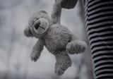 Sąd zdecydował, że maltretowany 10-latek z Lubonia nie zostanie rozdzielony z bratem