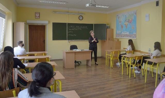 Inowrocławska Szkoła Rzemiosła w okresie od stycznia do końca kwietnia 2021 r. zorganizowała  wiele zajęć o tematyce ekonomicznej