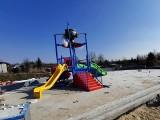 Czeladź. Widać coraz więcej efektów prac na budowie kompleksu basenów w Parku Grabek. Wszyscy liczą, że latem będą się mogli tu pluskać