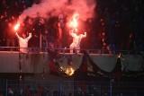 Zadyma kibiców na meczu Piast Gliwice - Górnik Zabrze WIDEO+ZDJĘCIA Mecz przerwany, w poniedziałek kary dla klubów