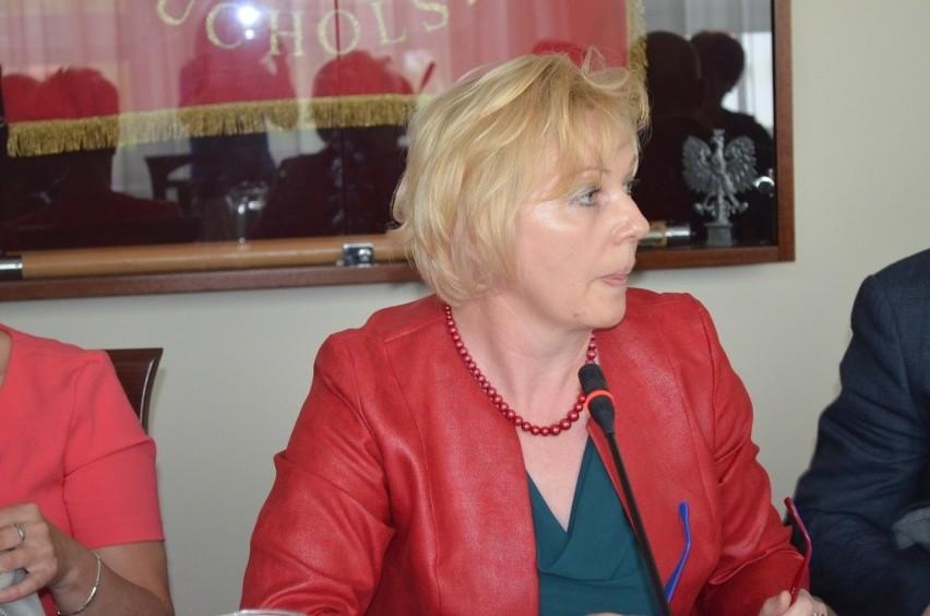 Dorota Gromowska, sekretarz gminy Gostycyn twierdzi, że  przygotowują  nowe miejsce do kąpieli.