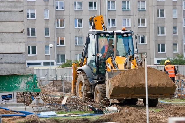 UkraińcyPraca na budowie w Polsce to dla wielu obywateli Ukrainy szansa na wyższe niż w ojczyźnie zarobki.