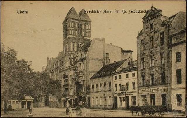 Przez wszystkie  lata urzędowania burmistrz Theodor Eduard Koerner mieszkał w jednopiętrowej kamienicy przy Rynku nowomiejskim 3