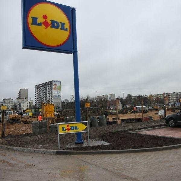 Market i stacja powstaną przy skrzyżowaniu ulic Nowowarszawskiej, Piastowskiej i Branickiego.