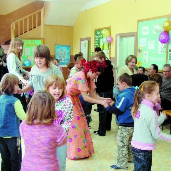 Festyn z Klubem Przedszkolaka w Niepublicznej Szkole Podstawowej w Lipinie