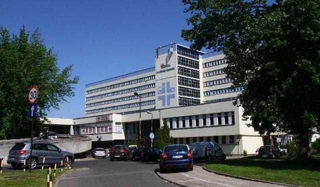 Narodowy Fundusz Zdrowia zapłaci mniej szpitalowi Kopernika w Łodzi. Szpital nie dostanie pieniędzy za czas przestoju Centrum Urazowego