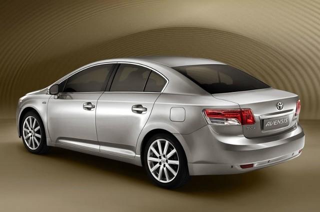 Avensis trzeciej generacji jest już dostępna w salonach Toyoty