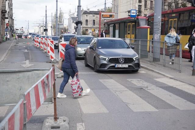 Nie jest prosto przejechać aleją Kościuszki przez skrzyżowanie z Zieloną...