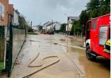 Ulewy i nawałnice w woj. śląskim. Strażacy interweniowali ponad 600 razy. Zalane drogi, domy, szkoły, posesje. Jedna osoba jest ranna