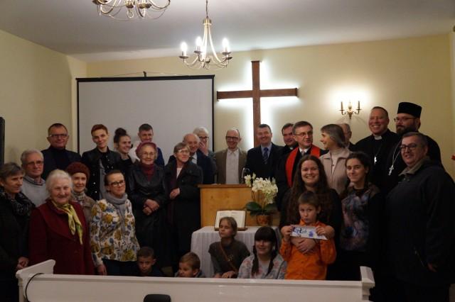 Największe wartości pokładają w rodzinie parafialnej.