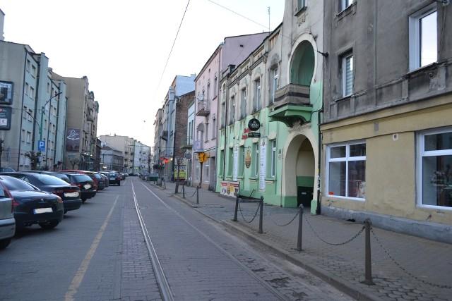 Tanie ulice w Sosnowcu? Tak, takie istnieją. Sonar Home podaje, na których ulicach zapłacimy najmniej za metr kwadratowy. Sprawdźcie. Zobacz kolejne zdjęcia. Przesuwaj zdjęcia w prawo - naciśnij strzałkę lub przycisk NASTĘPNE