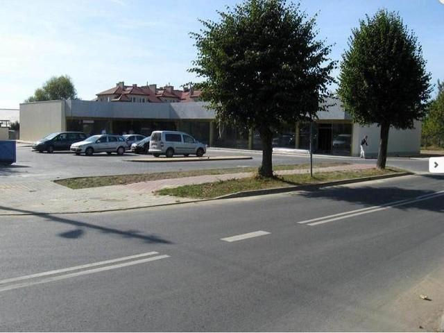 Galeria Czerwona Torebka w Skarżysku-Kamiennej powstaje na rogu ulic Konarskiego i Grottgera. Otwarta zostanie jesienią.