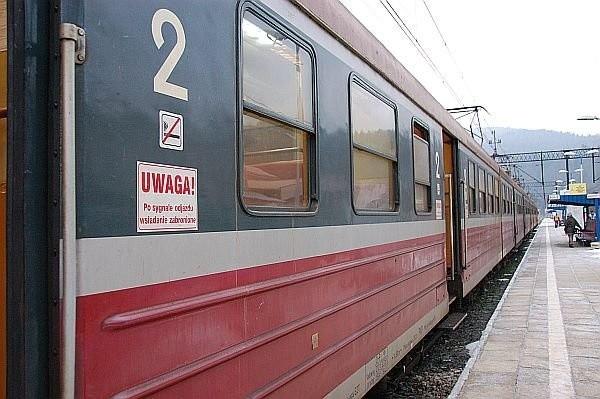 W sylwestra i Nowy Rok będa kursować dodatkowe pociągi.