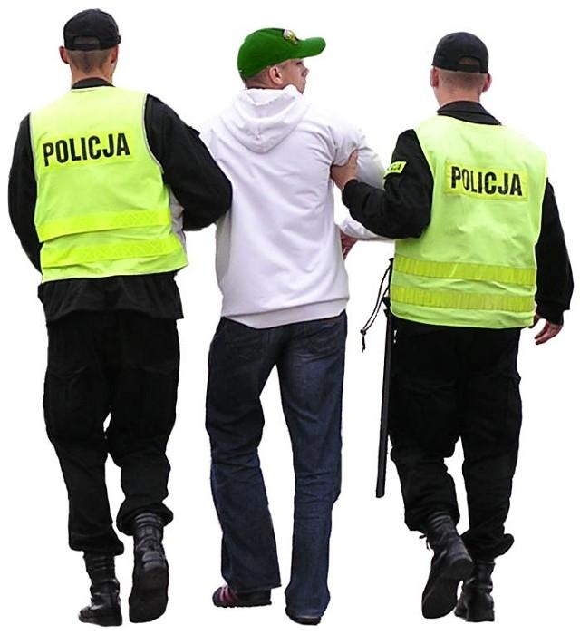 Policjanci pracujący nad sprawą, wytypowali sprawcę i po około dwóch miesiącach zatrzymali 21-latka w Szczecinie.