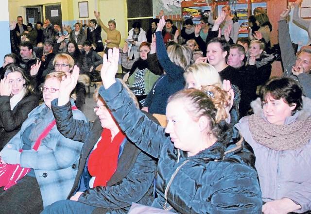 Na zebranie do Szkoły Podstawowej nr 3 w Złocieńcu przyszło wielu rodziców, którzy nie godzą się na likwidację i utworzenie filii.