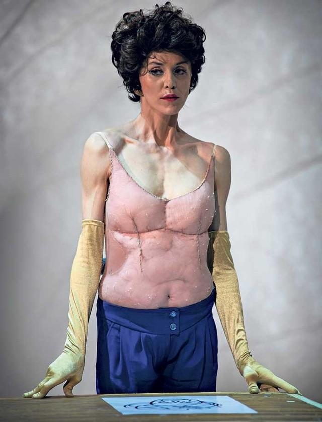 W roli Jokasty wystąpiła Beata Niedziela. Histerycznie rozedrgana znów wykreowała na scenie wyrazistą postać. Spektakl na deskach BTD można zobaczyć w najbliższy czwartek o godz. 19