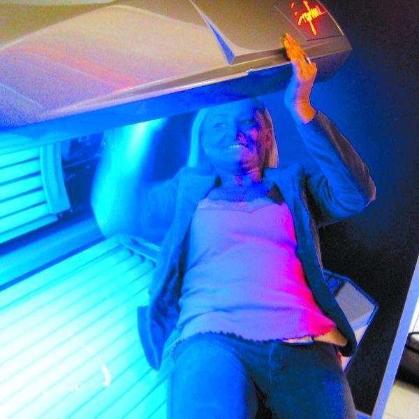 - Klienci przychodzą często tylko po to, by poprawić sobie humor - mówi Małgorzata Kulas, pracująca w solarium