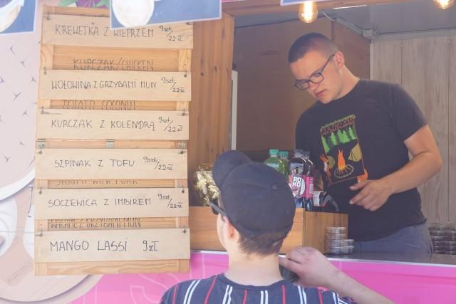Festiwal Smaków FOOD Trucków zaprosił łodzian na Wielką Szamę przy Atlas Arenie. W sobotę (19 czerwca) pojazdy z potrawami z różnych części świata obsługują klientów (wstęp darmowy) jeszcze do godz. 21, zaś w niedzielę (20 czerwca) szama trwa w godz. 12-20.