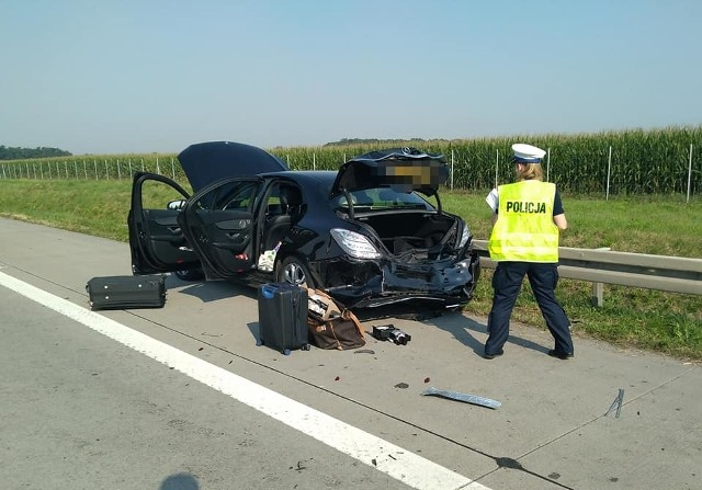 Wypadek na A4 pomiędzy węzłem Pietrzykowice i Kąty Wrocławskie