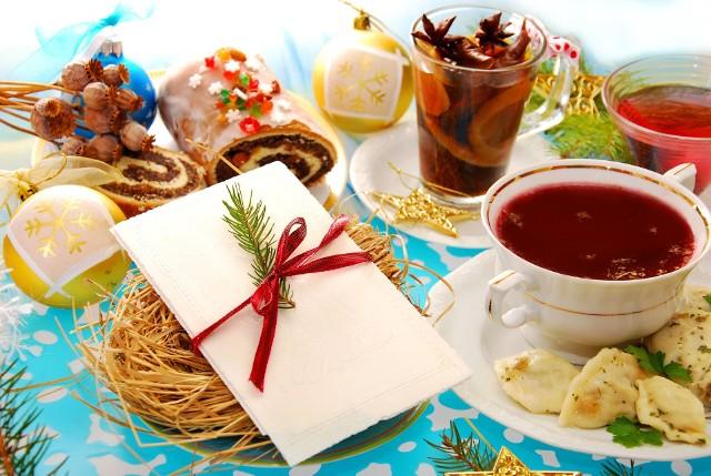 Tradycyjne 12 potraw na wigilijnym stole może oznaczać spożycie nawet kilku tysięcy kalorii – a Wigilia to przecież dopiero początek Świąt, okresu noworocznego o karnawału! Sprawdź, jak nie przejeść się i nie przytyć.