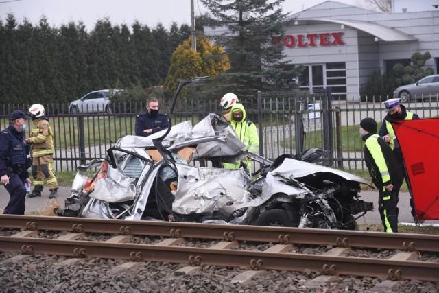 Łysomice. Śmiertelny wypadek na torach! Ruch na linii kolejowej z Torunia do Chełmży został wstrzymany