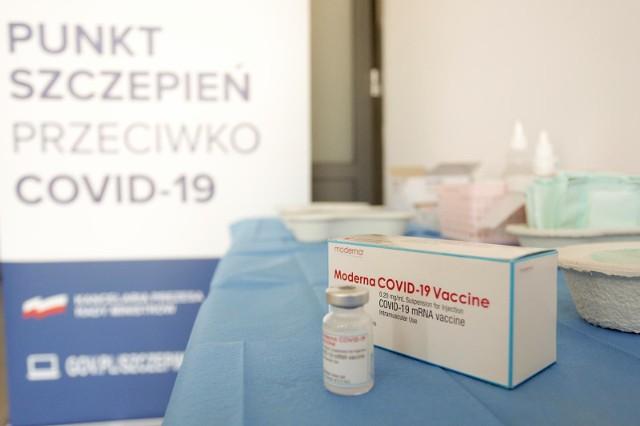 Szczepienia w Polsce, rocznik 2003. Wszyscy 18-latkowie będą mogli się zapisać na szczepienie bez względu na dzień urodzenia