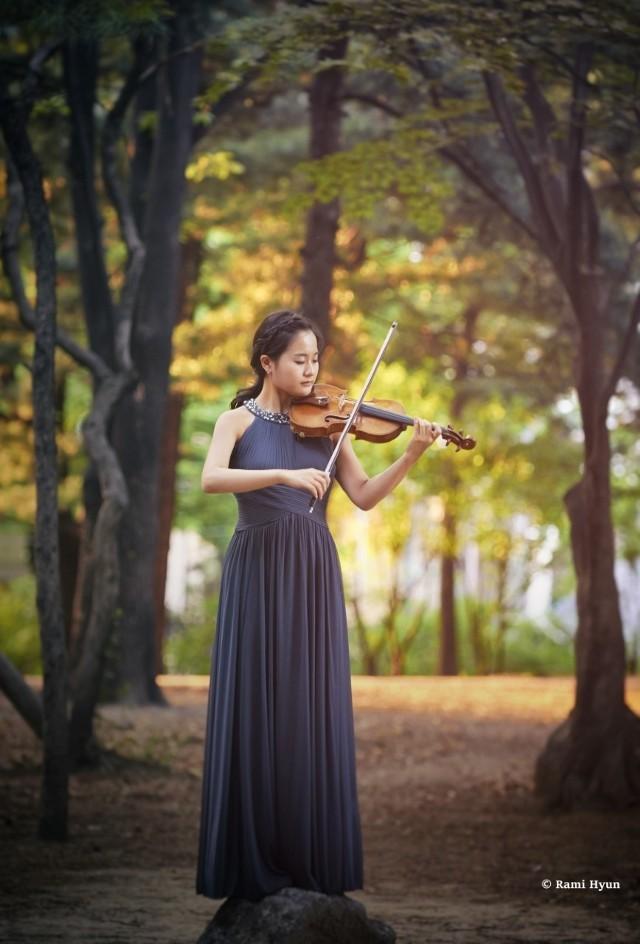 Solistką  w Koncercie skrzypcowym będzie Ji Young Lim