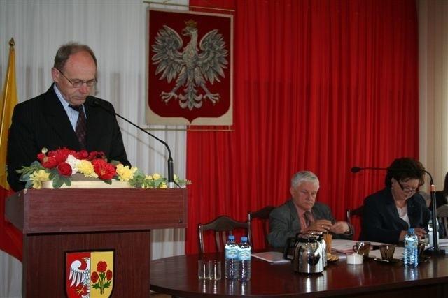 Wicestarosta Janusz Gójski na sesji RP przedstawił projekt nowych inwestycji sportowych
