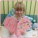 4-letnia Maja ma złośliwy nowotwór nerki z przerzutami. Po operacji dziewczynkę czeka długa chemioterapia