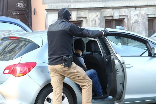 CBA przy wsparciu policji i KAS rozbiła grupę przestępczą zajmującą się grami hazardowymi