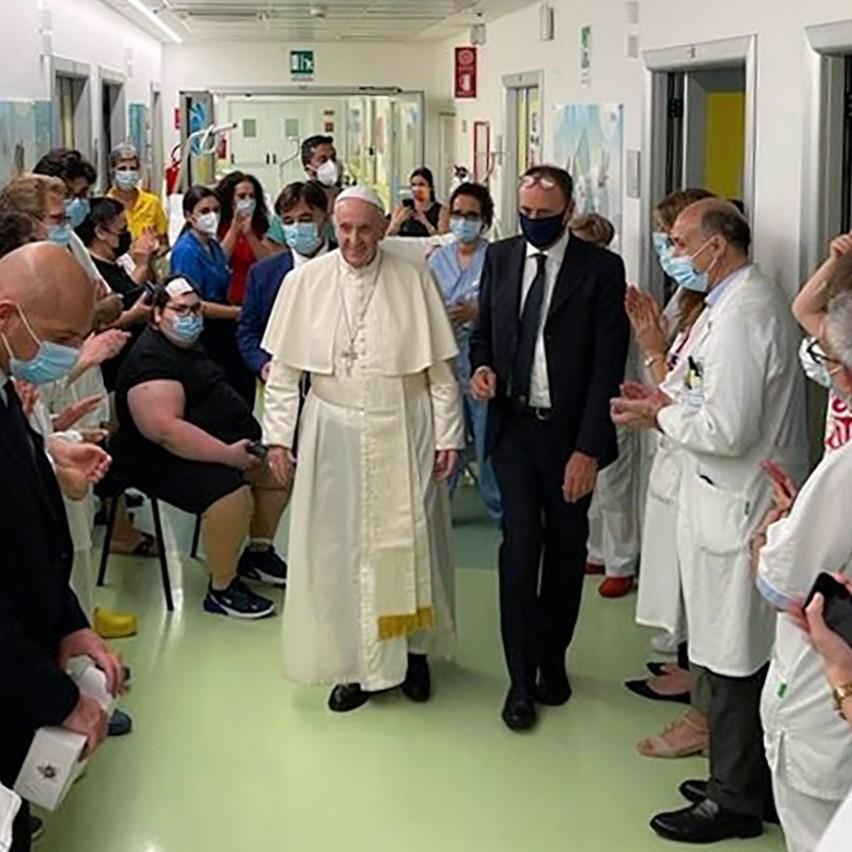 Watykan: Papież Franciszek na mocy swego postanowienia ograniczył msze po łacinie w liturgii przedsoborowej