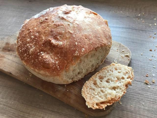 Chleb pieczony w garnku. Prosty i pyszny. Zobaczcie przepis naszej Czytelniczki.