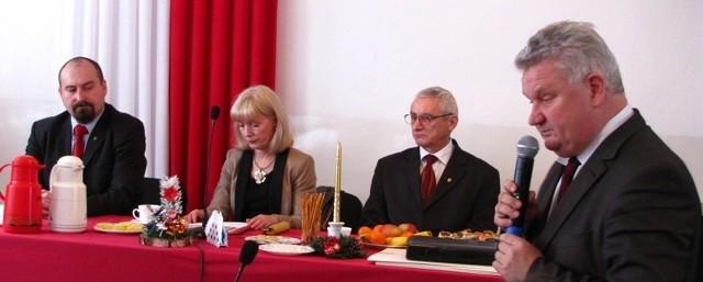 Wieloletni Program Finansowy gminy Małkinia Górna dość skrupulatnie przedstawił radnym i sołtysom wójt gminy Marek Kubaszewski