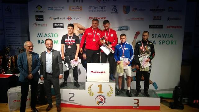 Maribek Salimov na drugim stopniu podium