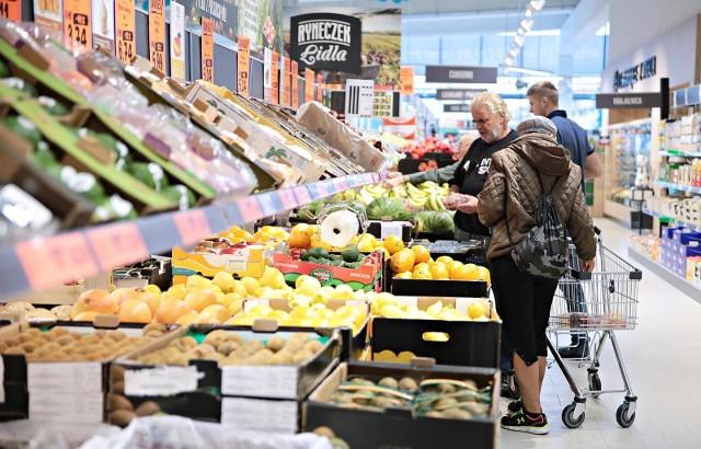 Zakaz handlu w niedzielę przyniósł większy zysk marketom