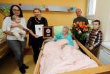 Najwyższe odznaczenie wojewódzkie dla stuletniej Stefanii Dabrowskiej