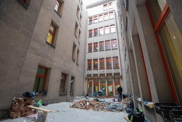 Na wewnętrznym dziedzińcu budynku urzędu miejskiego znajdzie się atrium ze szklanym dachem