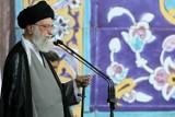 Rząd irański daje wiarę teorii spiskowej. Irańczycy muszą się obejść bez amerykańskiej pomocy. Dlaczego?