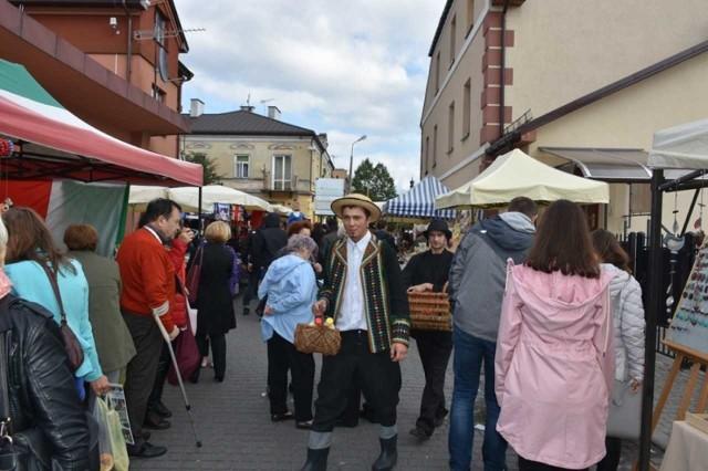 Jarmark co roku towarzyszy festiwalowi we Włodawie