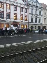 Wrocław. Protest w obronie lekarki, która twierdzi, że pandemia nie istnieje