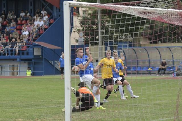 Zespół BKS-u Bochnia (żółte koszulki) w meczu z Watrą Białka Tatrzańska rozegrał bardzo dobrą partię i bez większych problemów zainkasował trzy punkty