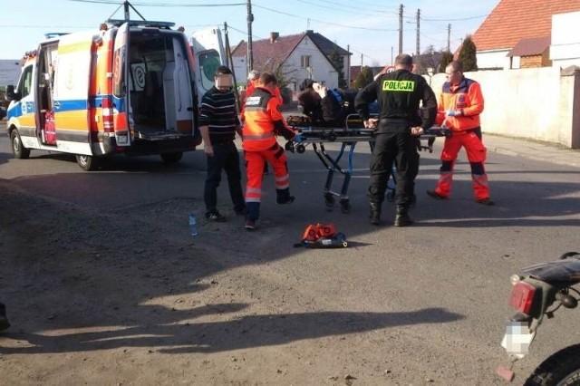 Ranny motocyklista trafił do szpitala.