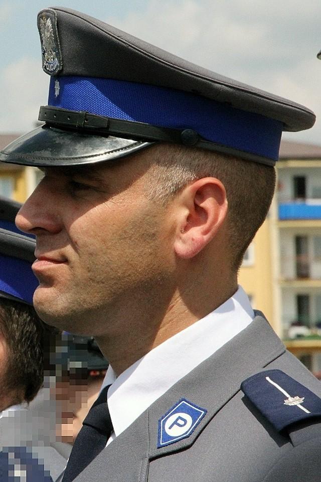 Aby zagłosować na mł. asp. Marcina Witczaka wyślij SMS o treści POLICJANT.21 na numer 7155 (koszt 1.23 zł z VAT)