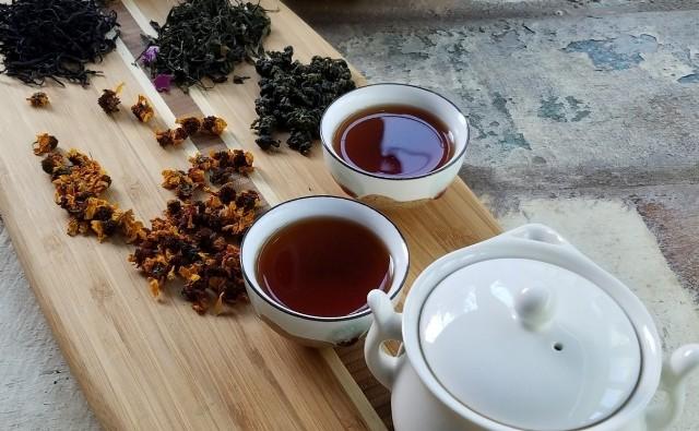 Na jakość i smak herbaty, wpływa także woda, jakiej używasz do jej przygotowania.