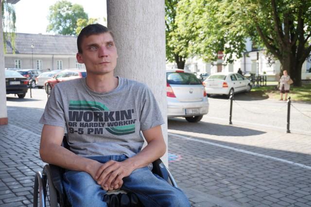 To nie chodzi o to, by zwiększać odszkodowania po latach. Chodzi tylko o ciągłość renty - mówił w Senacie Tomasz Piesiecki.