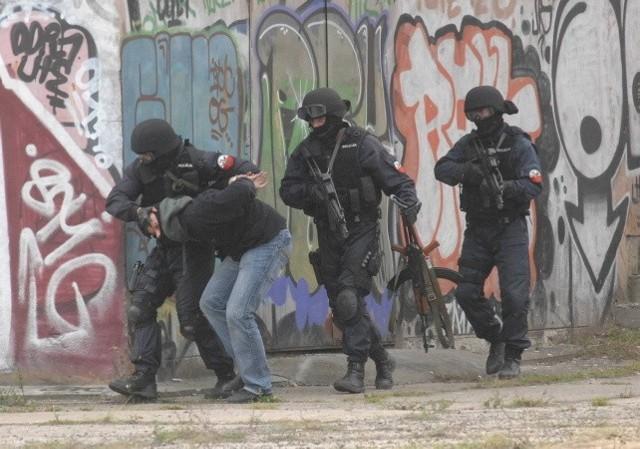 Ostatni terrorysta był w przydworcowym budynku. Specsłużby wkroczyły tam w akcji jak z filmu.