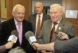 """Tvp.info ujawniło nowe taśmy z afery podsłuchowej. Kulczyk i Miller rozmawiali o Wałęsie. """"Nie skakał przez żaden płot"""""""