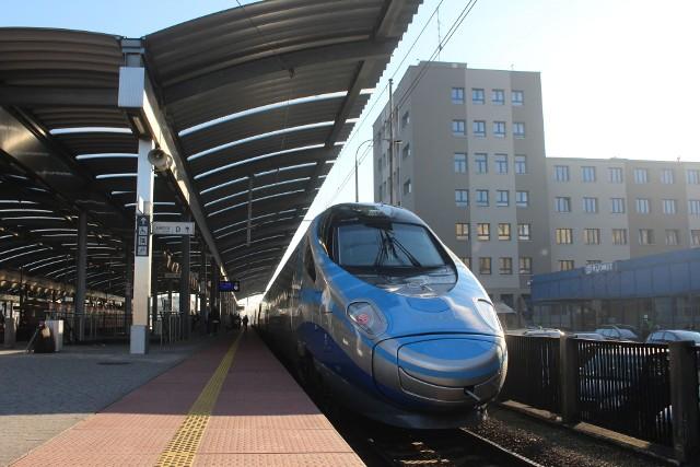 Pociągi Pendolino do Warszawy jeżdżą dłużej, przyczyna jest remont Centralnej Magistrali Kolejowej
